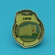 1 PIN'S //  ** POLICE DE LIÈGE / BRIGADE JUDICIAIRE / BELGIQUE ** . (Sobelpu) - Police