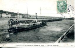 """N°67320 -cpa Trouville -l'Augustin Normand"""" Arrivant - Bateaux"""