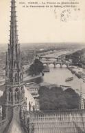 Paris - La Flèche De Notre-Dame - Beau Panorama De La Seine - Eglises