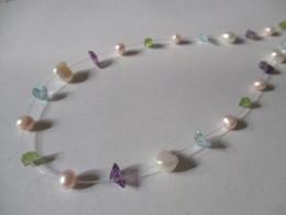 Collana Su Filo Di Nylon Con Perline Colorate - Necklaces/Chains