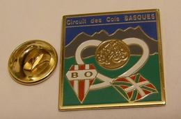CYCLISME CIRCUIT DES COLS BASQUES Logo BO BIARRITZ OLYMPIQUE PAYS BASQUE RUGBY Pin Pin's Pin - Rugby