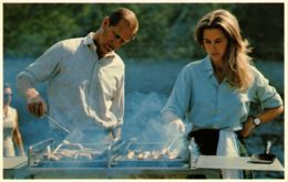 CPM Prince Philip&Princess Anne. Barbecue At Balmoral, BRITISH ROYALTY (791745) - Familles Royales