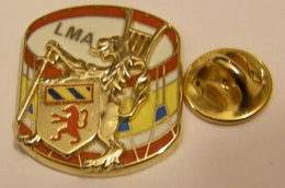 LMA LYCEE MILITAIRE D'AUTUN MUSIQUE TAMBOUR DOUBLE MOULE Pin Pin's Pin - Army