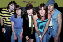 AC/DC Rock Band Original Postcard In Near Mint Condition, Made In Spain 003 - Cartes Postales