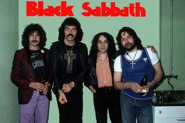 Black Sabbath Rock Band Original Postcard In Near Mint Condition. 012 - Cartes Postales