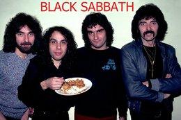 Black Sabbath Rock Band Original Postcard In Near Mint Condition. 013 - Cartes Postales