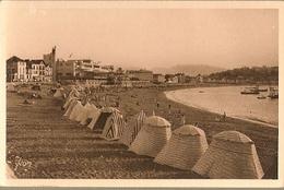 France ** & Postal, Greetings From  Saint-Jean-de-Luz, La Plage Et Le Casino (13) - Souvenir De...