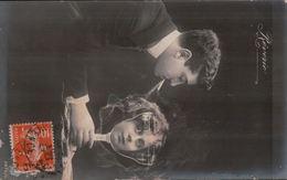 5440A COUPLE    TIMBRE  VERSO  1910    ECRITE - Cartes Humoristiques