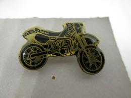 PIN'S    MOTO  YAMAHA - Motorbikes