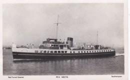 M.V. VECTA. RED FUNNE STEAMER - Steamers