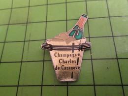 216b Pins Pin's / Rare Et De Belle Qualité  THEME BOISSONS : CHAMPAGNE CHARLES DE CAZANOVE + SEAU A GLACE - Banks