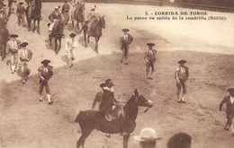 CORRIDA DE TOROS  Le Paseo Ou Salida De La Cuadrilla (Défilé ) RV - Corrida