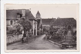 CPSM 19 SAINT ROBERT Entrée Du Bourg - France