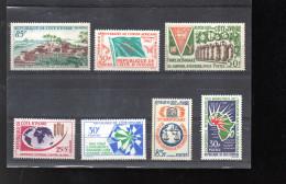 COTE D IVOIRE LOT ENTRE 206 ET 222** SUR DIVERS SUJETS DONT DRAPEAU UNESCO LA POSTE - Côte D'Ivoire (1960-...)