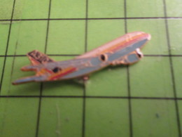 316a Pins Pin's / Rare Et De Belle Qualité  THEME AVION AVIATION : BIREACTEUR COMMERCIAL - Airplanes