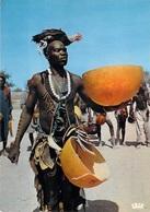 Afrique-TCHAD LE CHEF DE DANSES  (coq Cock)(- Editions :Librairie AL-ALHBAAR  N°5426) *PRIX FIXE - Chad