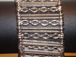 Bracelet En Métal Argenté, Monté Sur élastique - Bracciali