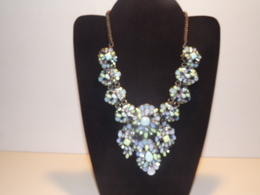 Collier Zara En Métal, Strass Blanc Et Bleu ( Quelques Manques ) - Necklaces/Chains