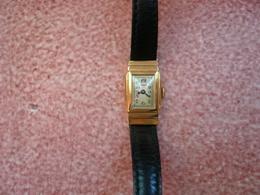 """Magnifique Petite Montre Bracelet De Femme En Or18K Poinçonné-forme"""" Tonneau""""- 17rubis-marque:Marvin (Suisse)- - Montres Anciennes"""