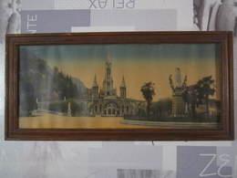 Tableau LOURDES La Basilique Et La Vierge Couronnée Dimension 28,5 X 60,5 Cm - Autres Collections