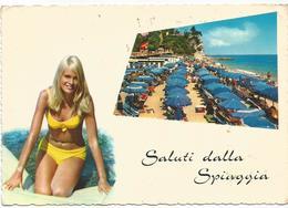 V3184 Saluti Dalla Spiaggia - Ragazza Girl Femme Frau Chica Pin Up / Viaggiata 1970 - Pin-Ups