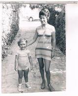 GUADELOUPE  SAINTE ANNE 1970 PHOTO 140X105 BIBI ET MICHAEL - Guadeloupe
