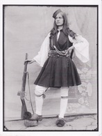 ALBANIE -  JEUNES INSURGÉE ALBANAISE  ENVIRON 1912 ARMÉE D'UN FUSIL WINCHESTER - Albanie