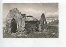 Carteret (Manche) La Vieille église (cp Vierge N°19 Artaud) - Carteret