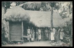 SRI LANKA (CEYLON) - COSTUMES - Vilage Hut Ceylon  Carte Postale - Sri Lanka (Ceylon)