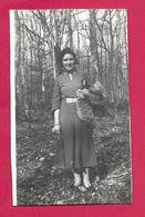 Ancienne PHOTO 6 X 8,5 Cm...FEMME En FORET, PIN UP - Pin-up
