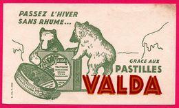 BUVARD Illustré - Passez L'Hiver Sans Rhume Grâce Aux Pastilles VALDA - Ours - Maux De Gorge - Produits Pharmaceutiques