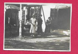 Ancienne PHOTO 8 X 6 Cm ..3 FEMMES En JUPE Et CHAPEAU, PIN UP - Pin-up