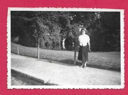 Ancienne PHOTO 8,5 X 6 Cm ..FEMME , PIN UP - Pin-up