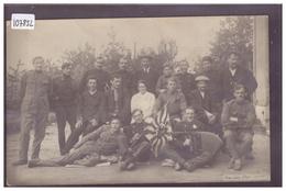 LAUSANNE - GROUPE D'HOMMES PRES DU PAVILLON BOURGET - B ( QUELQUES PLIS ) - VD Vaud