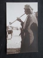 CP ISRAEL? (V08) BERSHEBA SMOKER ( 2 Vues) Carte Photo - American Colony Photo Cards - Israel