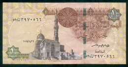 EGYPT / ONE POUND / DATE : 26 -11-2017 / P- 70 / PREFIX : L590 / SULTAN QUAYET BEY MOSQUE / ABU SIMBEL TEMPLE / USED - Egypte
