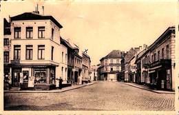 Jodoigne - Place Docteur Edouard Lodewijckx (animée, Librarie Papeterie, Café) - Jodoigne