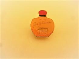 "PINS PARFUMS JOHNNY HALLYDAY ""QUE JE T'AIME"" / 33NAT - Perfume"