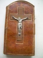 Ancien CHEMIN De CROIX De VOYAGE En CUIR Et METAL ARGENTE..14 STATIONS...8 Scans - Religion & Esotérisme