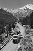 SAAS - FEE → Altes Saurer-Postauto Auf Der Neuen Strasse Anno 1953 - VS Wallis