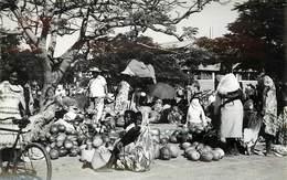 MADAGASCAR - Ville De Tulérar, Le Marché. - Madagascar
