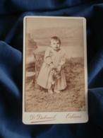 Photo CDV  Dubreuil à Orléans  Très Jeune Enfant  Robe Longue Et Panier En Osier CA 1890 - L402 - Photos