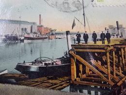 Romania Roumanie Cpa Postcard  - GALATZ- Waiting On The Pier - Roumanie