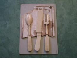Couvert De Dinette En Os Sur Son Support Partiel - Nouveauté De Paris - Autres Collections