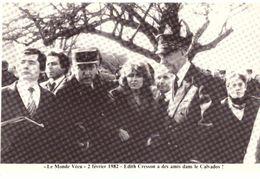 Le Monde Vécu  Carte Numérotée 219 2 Février 1982 Edith Cresson A Des Amis Dans Le Calvados - Histoire