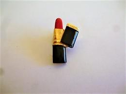 PINS ROUGE A LEVRES LANCOME / 33NAT - Perfume