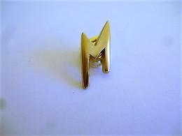 PINS PARFUM  M / Signé Aca Bi / 33NAT - Perfume