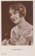 MADGE BELLAMY OLD POSTCARD (383) - Actors