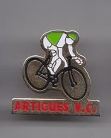 Pin's Artigues VC Vélo Cyclisme Réf 5536 - Wielrennen