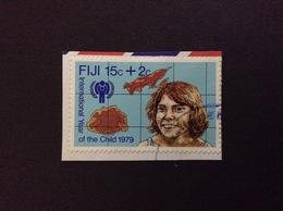 1979 FIJI INTERNATIONAL YEAR OF THE CHILD 15 C + 2 C FRANCOBOLLO USATO STAMP USED - Fidji (1970-...)